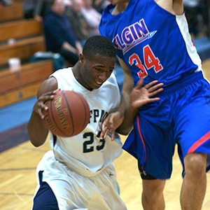 Men's basketball team earns hard-fought win over Elgin
