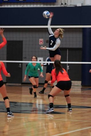 Volleyball team responds quickly to its second loss