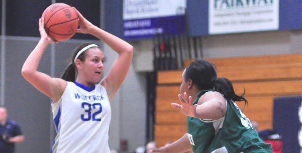 Madison+College+women%E2%80%99s+basketball+player+Courtney+Spangler+looks+to+pass+against+Olive-Harvey+College+on+Nov.+30.