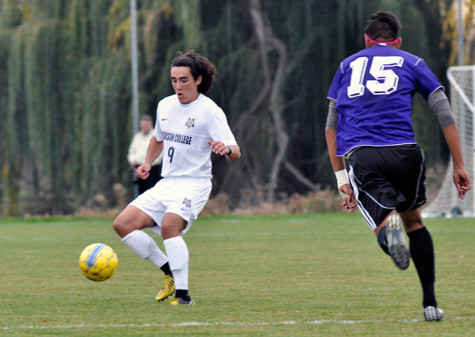 Men's soccer team falls to Joliet in playoff game