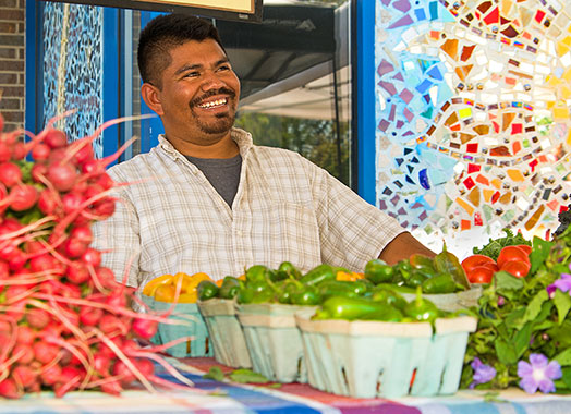 Mercadito de Centro offers fresh, local food to the residents of South Madison.