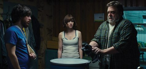'10 Cloverfield Lane' full of suspense, secrets