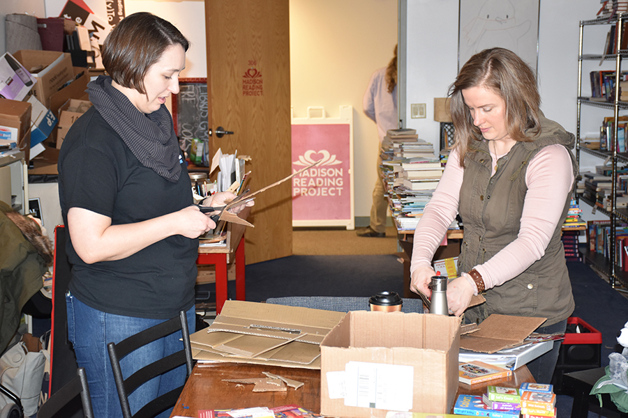 Alternative spring break volunteers help with The Madison Reading Project